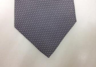 ネクタイの端、擦り切れ修理